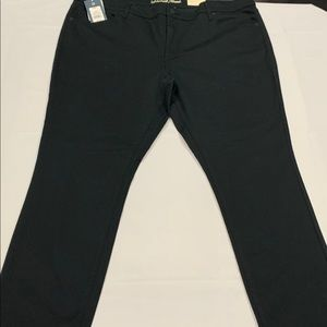 New Universal Thread No-Fade Black Skinny Jeans